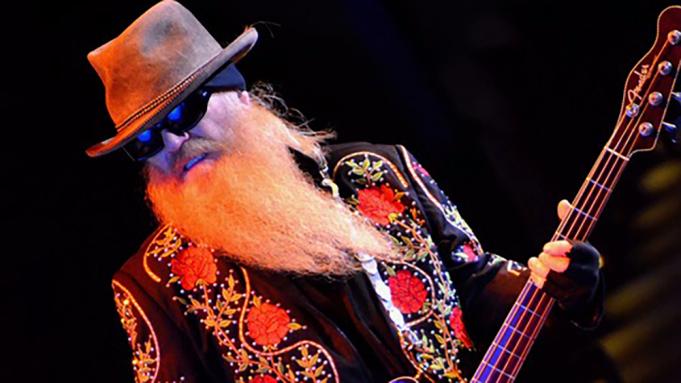 Dusty Hill, basistul trupei ZZ Top, a murit în somn la vârsta de 72 de ani