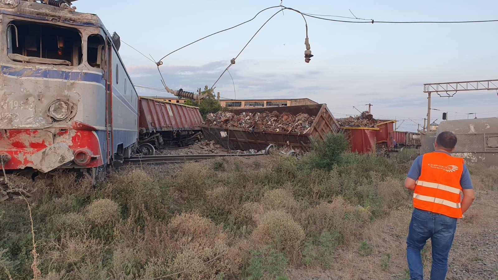 Două trenuri s-au ciocnit la Fetești. Mecanicul era băut. Drulă: Sistemul de frânare automată nu a funcționat