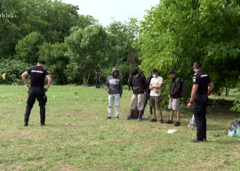 Acțiune în forță împotriva traficanților care controlau frontiera sudică. Celule de români, sirieni, irakieni și egipteni