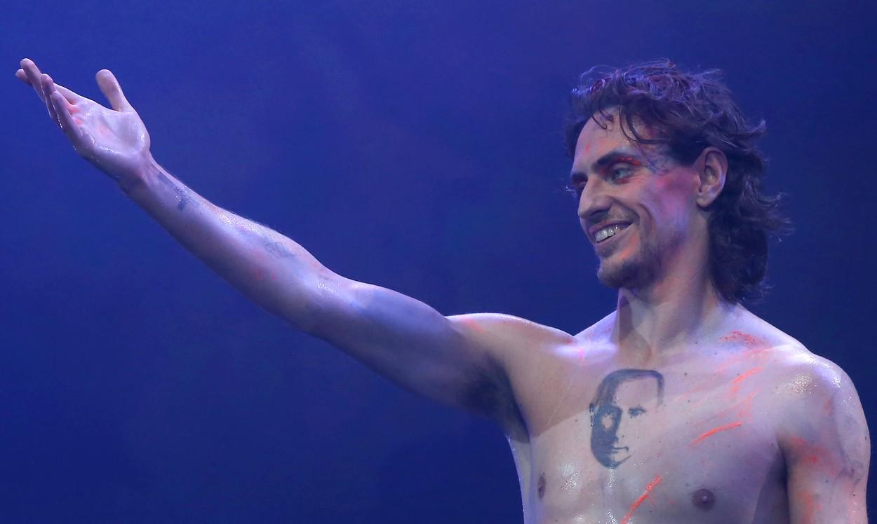 Celebrul dansator Sergei Polunin are un tatuaj cu Putin pe piept: