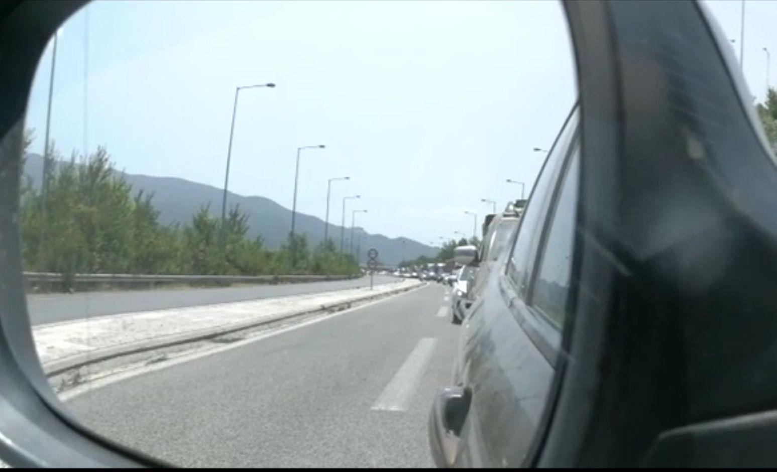 Românii încep să vină cu autocarele din Grecia, după intrarea țării pe lista roșie. Și-au scurtat sejurul să evite caranti