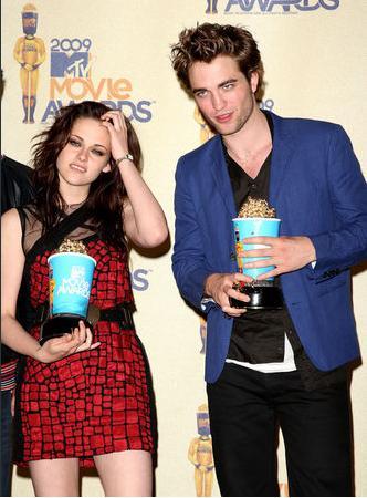 Robert Pattinson a facut Revelionul cu doar 3 lire sterline!