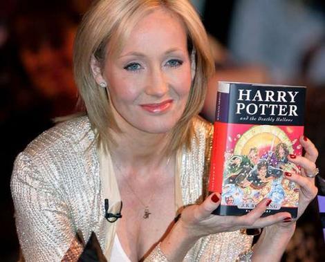 Vrajitorie? J. K. Rowling, autoarea lui