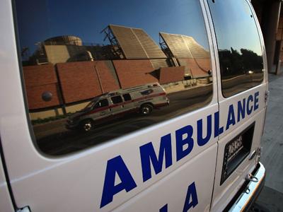Patru pompieri au ajuns la spital, electrocutati, in timp ce participau la provocarea galetii cu apa