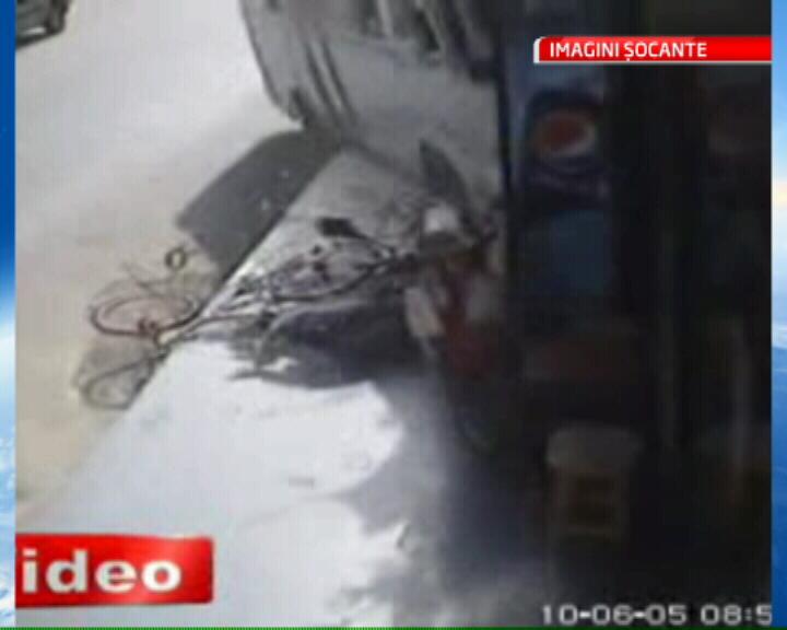 Accident ingrozitor in Turcia! Pietoni loviti in plin de un autobuz