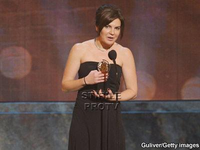 Marina Draghici, laureata la Premiile Tony, alaturi de Scarlett Johansson