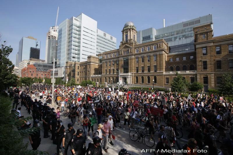 Summitul G20 de la Toronto, deschis cu manifestatii violente