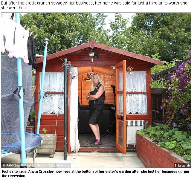 Din milionara, a ajuns sa doarma intr-o baraca. Cum si-a pierdut o femeie din Anglia intreaga avere