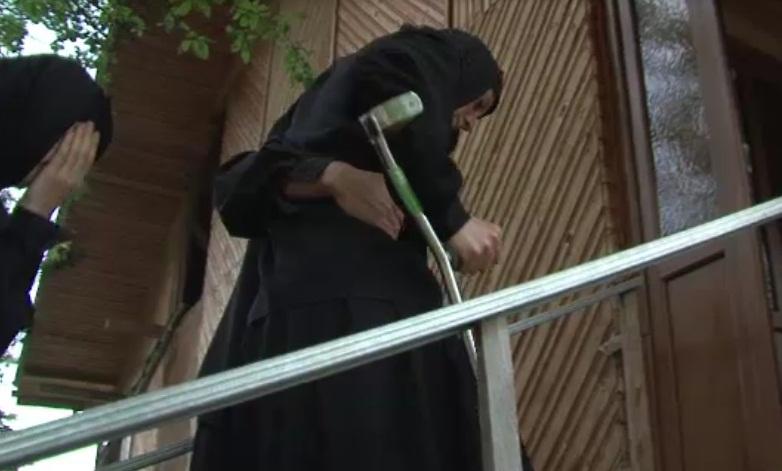 Caz revoltator in Buzau. Maicuta pedepsita de stareta pentru ca s-a dus la medic.Avea piciorul rupt