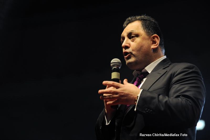 Vanghelie a confundat candidatii la Primaria Sector 3: Bucurestiul nu are nevoie de Robert Negoita