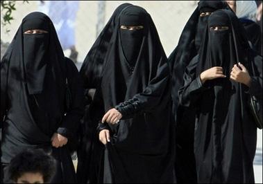 O camerista, condamnata la moarte prin lovituri cu pietre, in Arabia Saudita. Ce pedeapsa a primit sotul pe care l-a inselat