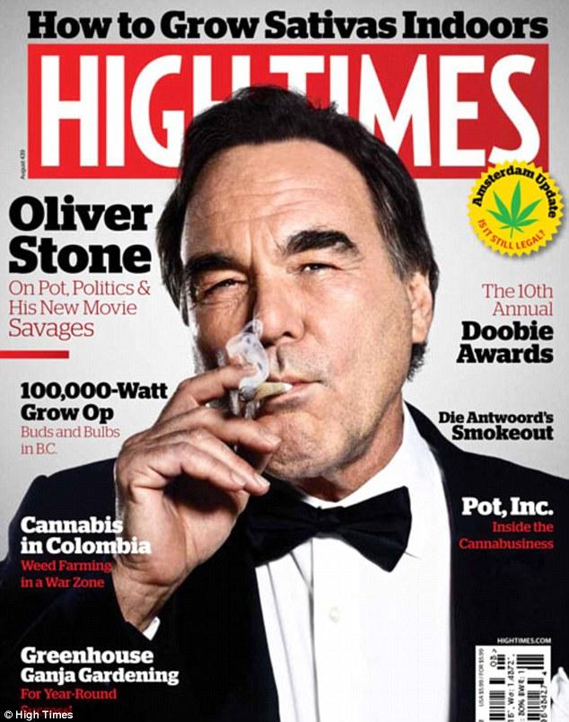 Imagine controversata: Regizorul Oliver Stone apare pe coperta revistei High Times fumand marijuana