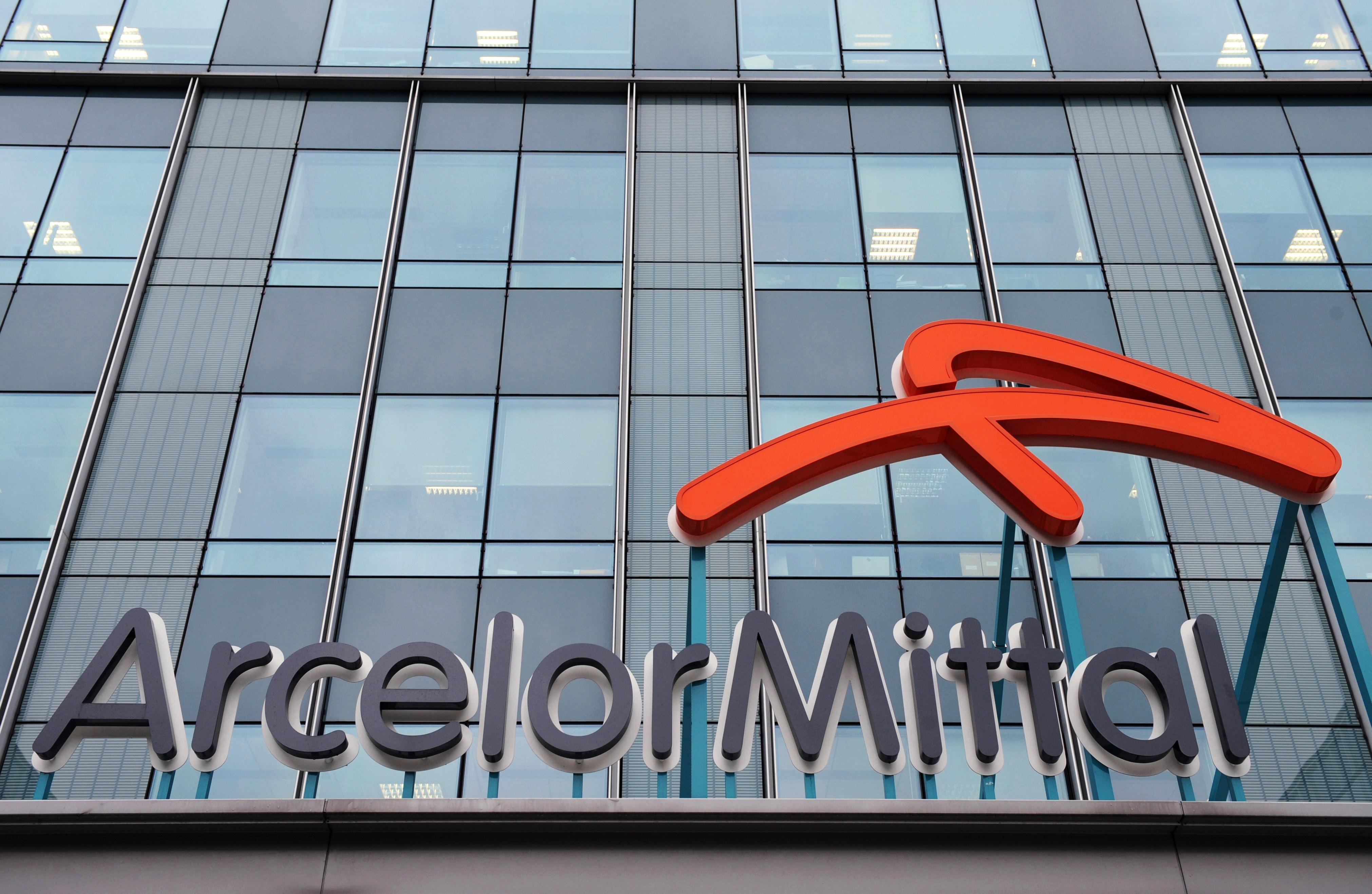 Scandal rasist la ArcelorMittal. Un angajat a luat 25 mil dolari dupa ce a dat compania in judecata