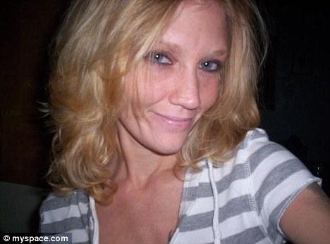Caz socant in America. O mama dependenta de droguri si-a obligat fiica sa-si injecteze heroina