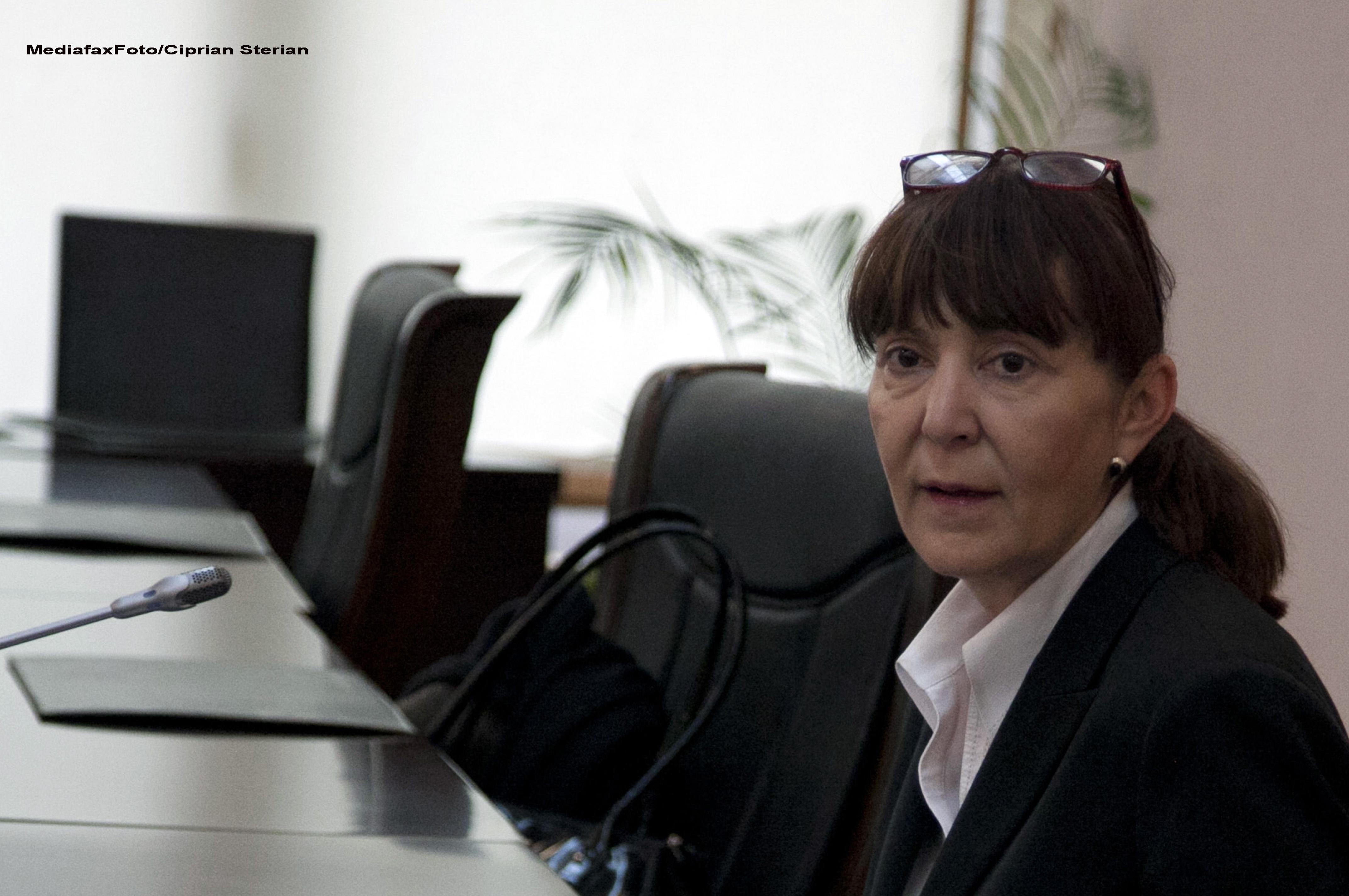 Monica Macovei, despre legea care ii scapa de catuse pe arestati: