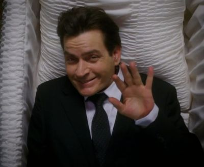 Charlie Sheen spune ca afirmatia despre casatoria sa cu o starleta porno a fost o gluma
