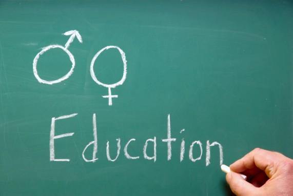 Primul manual de educatie sexuala crestina din Romania a aparut la Timisoara. Ce te invata sa faci