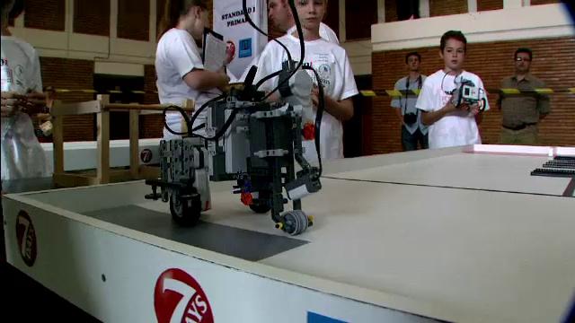 Inventiile spectaculoase ale copiilor de 12 ani in finala Olimpiadei de robotica din Romania
