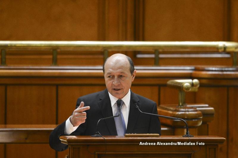 Referendumul lui Basescu, privind Parlament unicameral cu 300 de alesi, a primit aviz favorabil