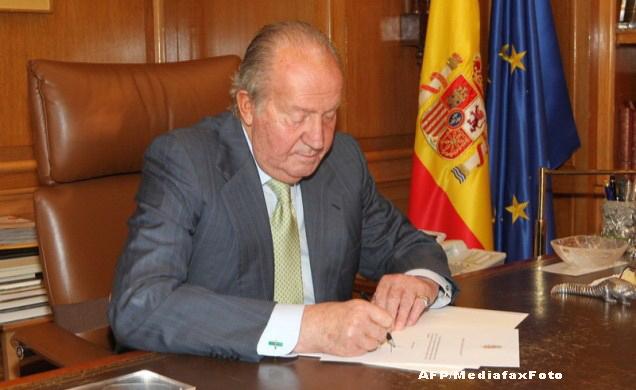 Spania se pregateste sa-si incoroneze noul rege. Juan Carlos a semnat decretul de abdicare