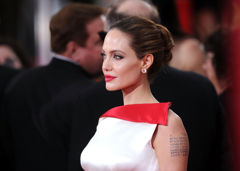 """Trump ar fi """"dat note"""" unor femei pentru aspectul lor fizic. Cât a primit Angelina Jolie"""