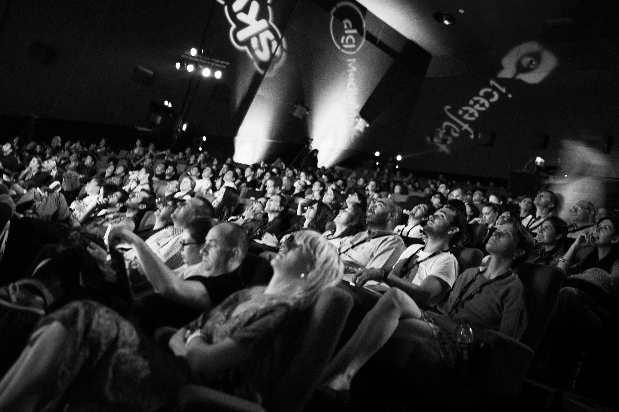 Bucurestiul devine din nou capitala internetului din Europa. Google, Facebook, Yahoo si Youtube vin la ICEEfest