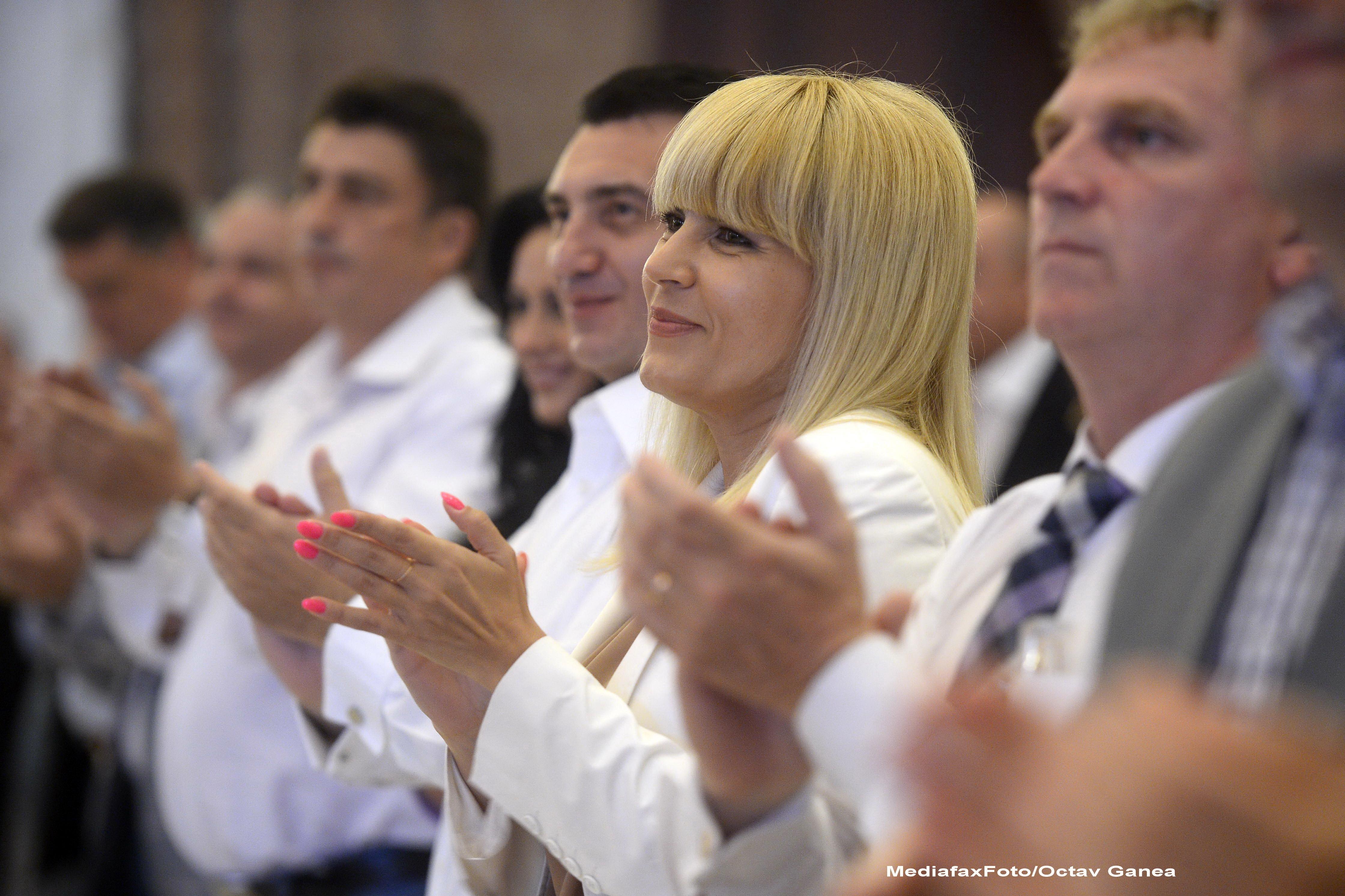 Elena Udrea este noul presedinte al PMP. Cristian Diaconescu este candidatul Miscarii Populare la alegerile prezidentiale
