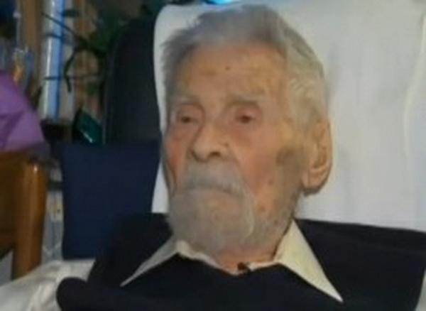 Alexander Imich, declarat recent cel mai batran barbat din lume, a murit la varsta de 111 ani. Era expert in paranormal