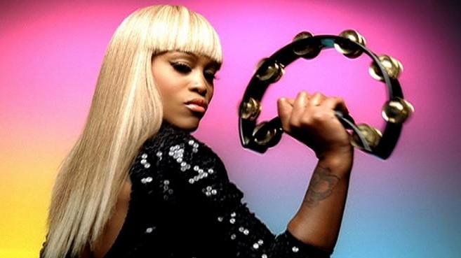 Eve, cantareata de hip-hop castigatoare a premiului Grammy, s-a casatorit sambata in Ibiza