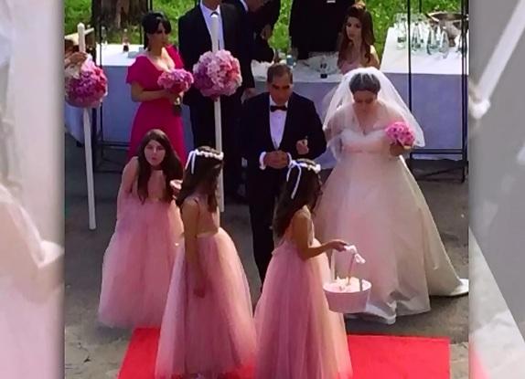 Oana Roman s-a casatorit religios si si-a botezat fetita in aceeasi zi. Cum au decurs cele doua ceremonii