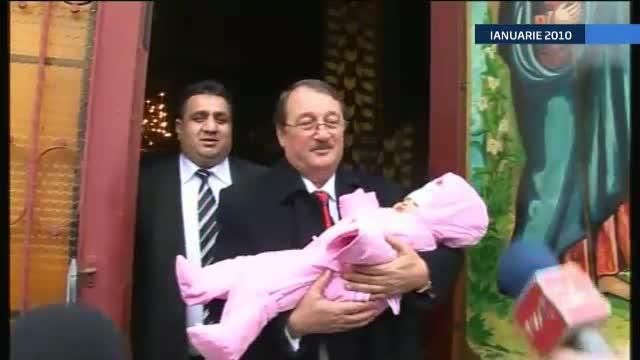 Cinci membri ai familiei lui Bercea Mondial au fost trimisi in judecata pentru santajarea lui Mircea Basescu