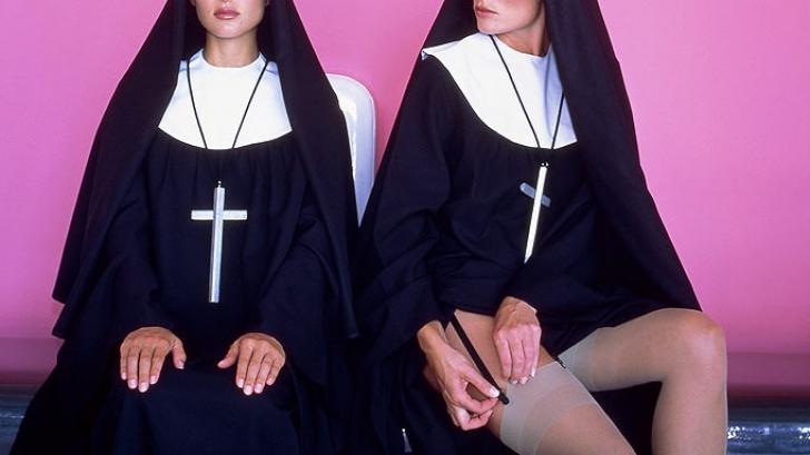 Un grup de calugarite americane a dat in judecata un club de striptease situat langa manastirea lor