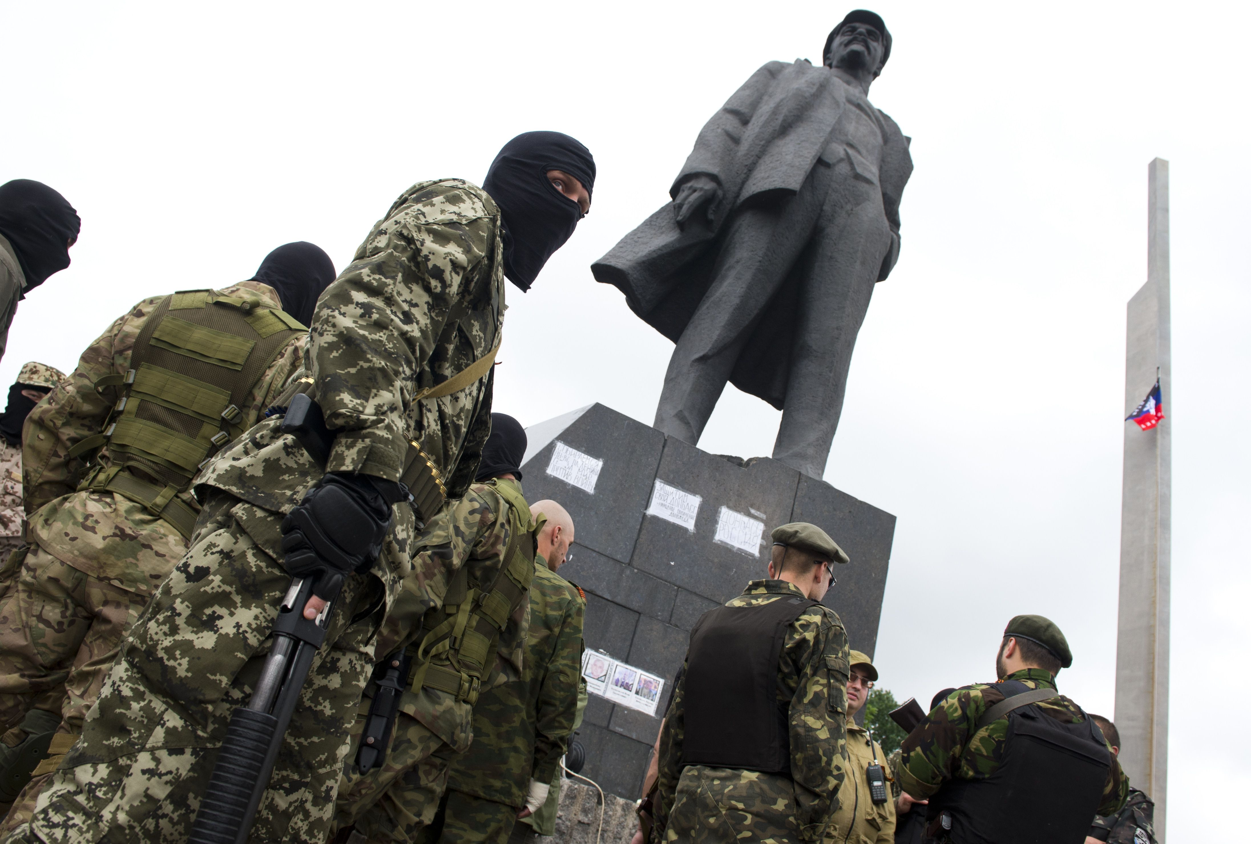Criza in Ucraina. Insurgentii prorusi din estul tarii au decis sa accepte un armistitiu temporar