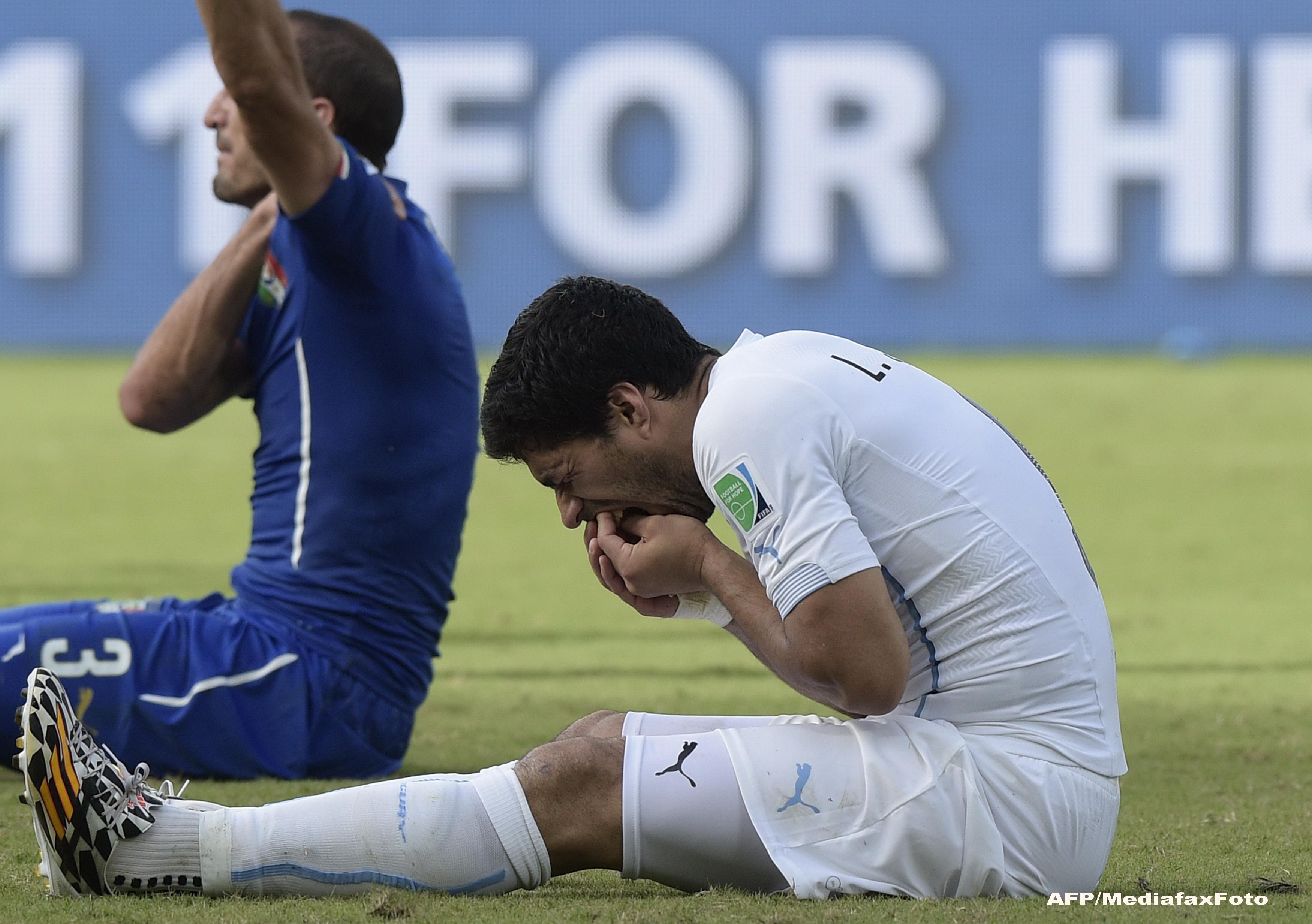 Campionatul Mondial de Fotbal 2014. FIFA va deschide o ancheta in cazul Luis Suarez, care a muscat de umar un fundas