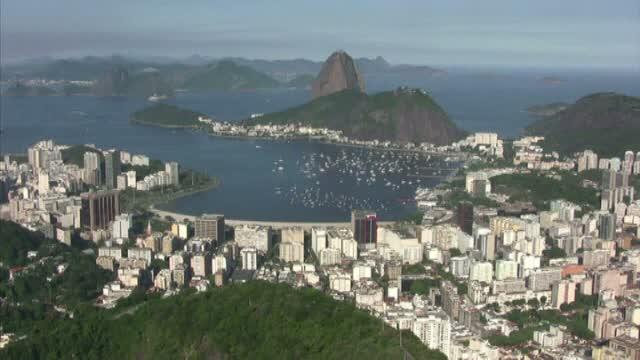 Campionatul Mondial de Fotbal 2014. Cati oameni vor vizita Brazilia in timpul competitiei sportive si ce suma vor cheltui