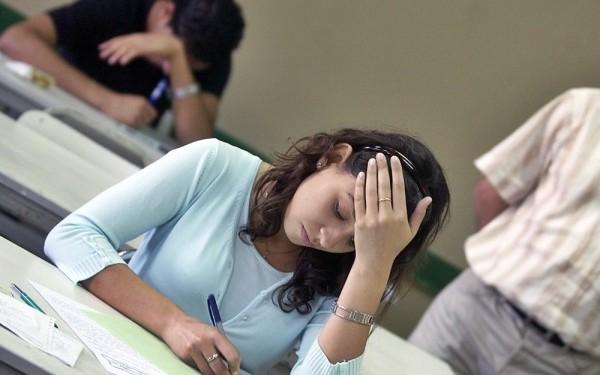 SUBIECTE BACALAUREAT 2014: Peste 40.000 de elevi francezi cer intr-o petitie oprirea