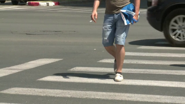 Doi tineri, injunghiati pe strada in centrul Buzaului. Atacatorul i-a lovit de mai multe ori cu un cutit