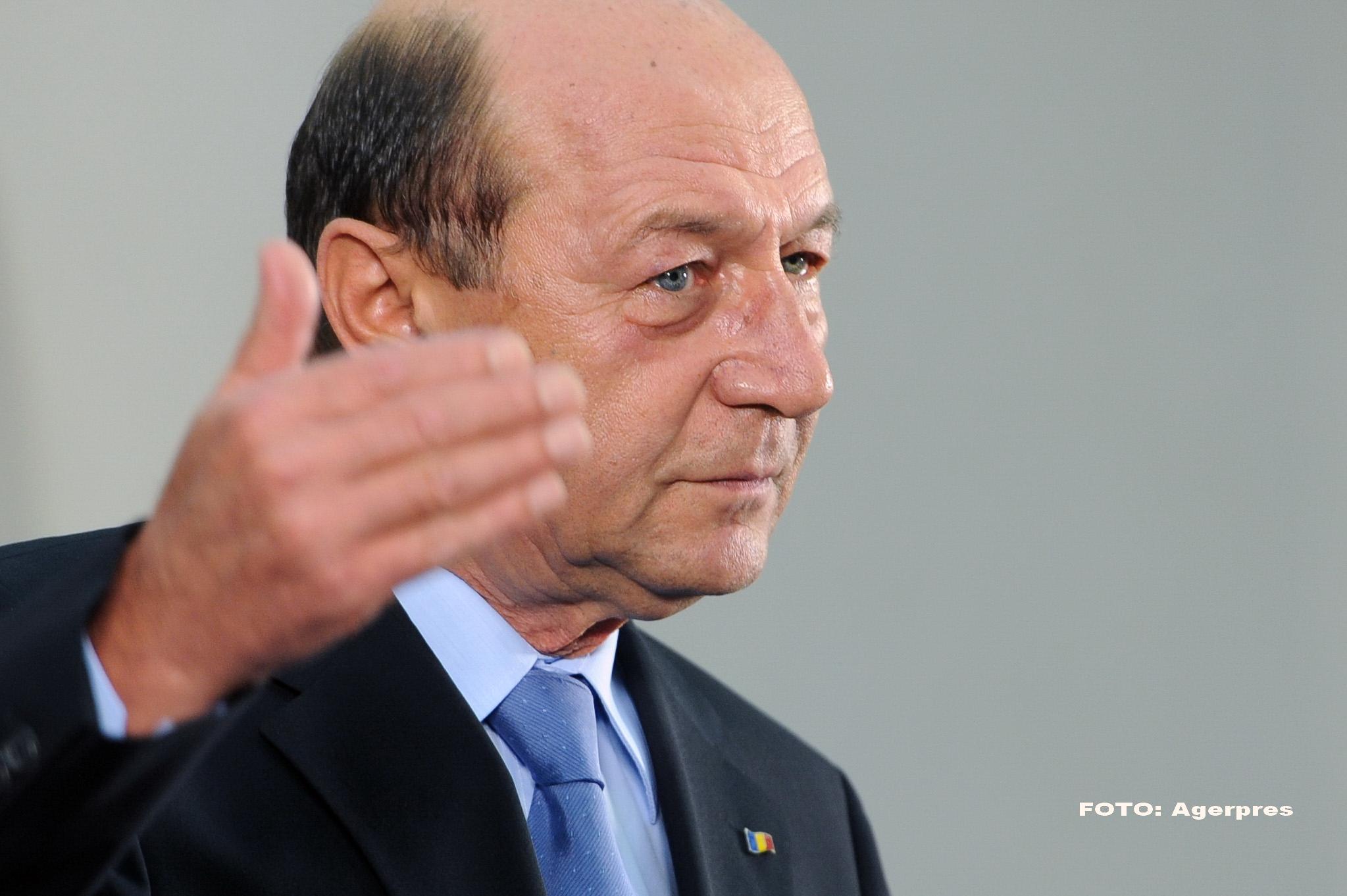 Basescu: In Romania poate sa apara oricand un act terorist. Printre refugiati pot fi infiltrati si extremisti