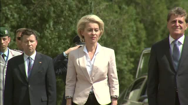 Are 7 copii, a fost medic ginecolog si acum conduce Ministerul Apararii in Germania. Ursula von der Leyen, vizita in Romania
