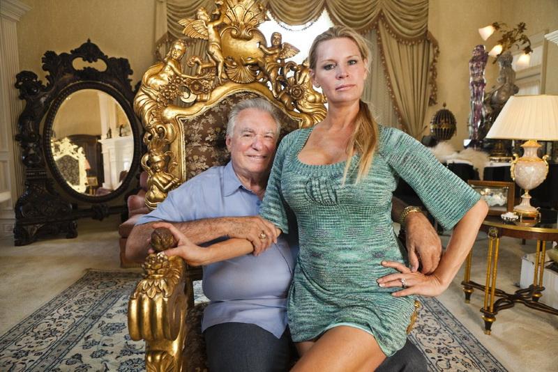 Fiica unuia dintre cei mai bogati oameni din SUA, gasita moarta in propria casa. Tanara de 18 ani ar fi luat o supradoza