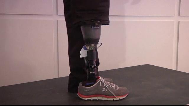 O proteza inteligenta le reda simtul tactil celor fara picioare: