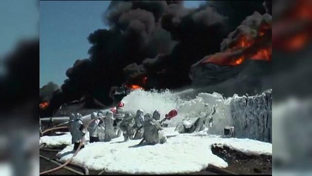 Cel mai grav incendiu inregistrat in Ucraina, in ultimii 50 de ani. Garda Nationala a scos in strada 1500 de soldati