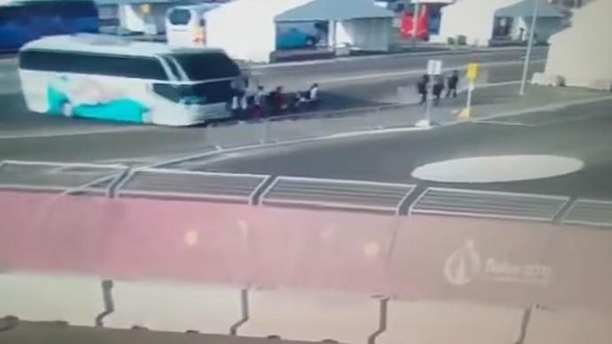Tragedie la Jocurile Europene din Baku: o tanara de 15 ani a ajuns in coma, dupa ce a fost spulberata de un autocar