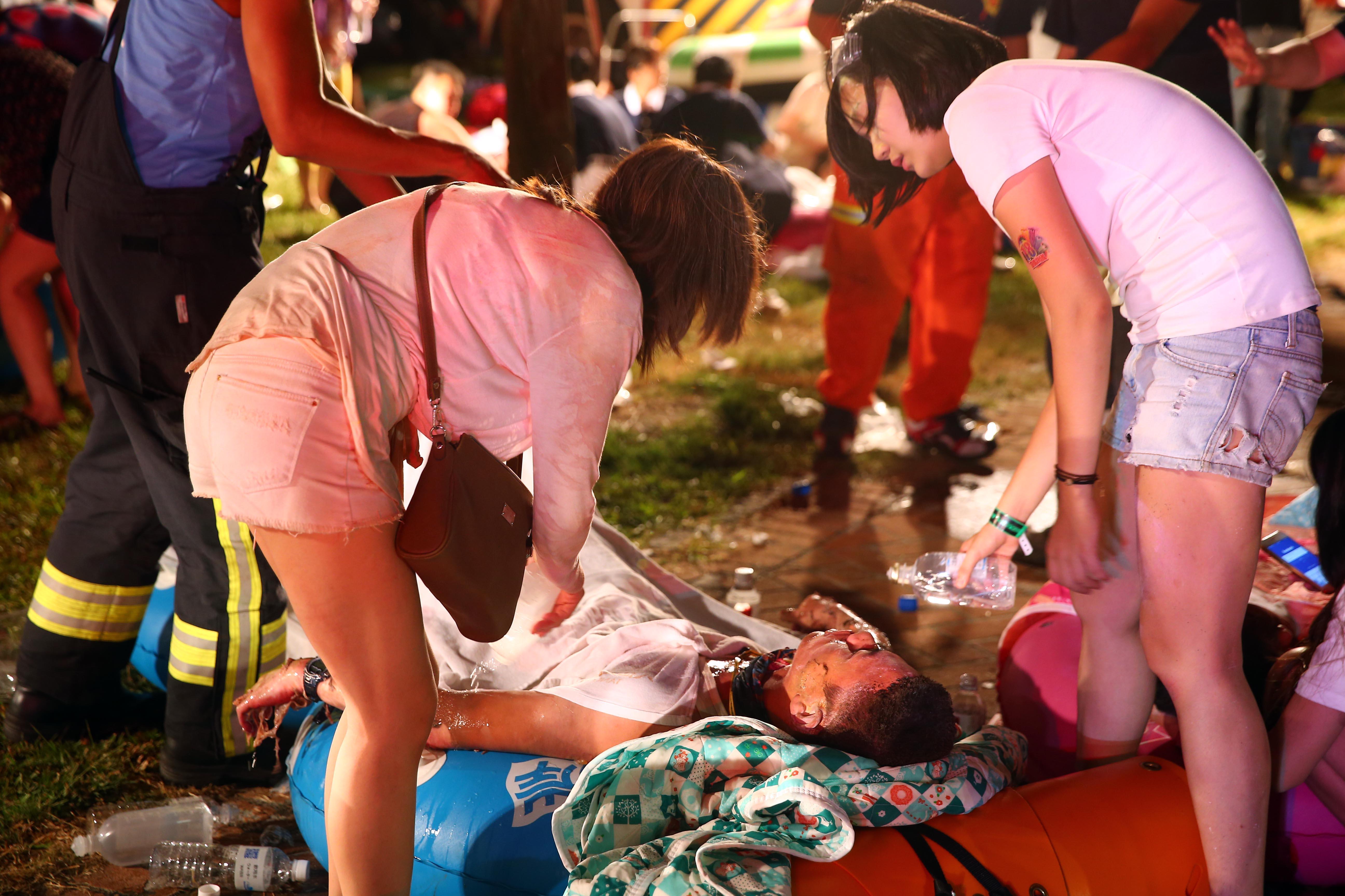 Bilantul accidentului de la parcul de distractii din Taiwan a ajuns la 500 de raniti. Aproape 200 sunt in stare grava