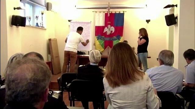 Imigrantii din Sicilia ii invata pe carabinieri engleza pentru a comunica mai bine: Predandu-le engleza invat si eu italiana