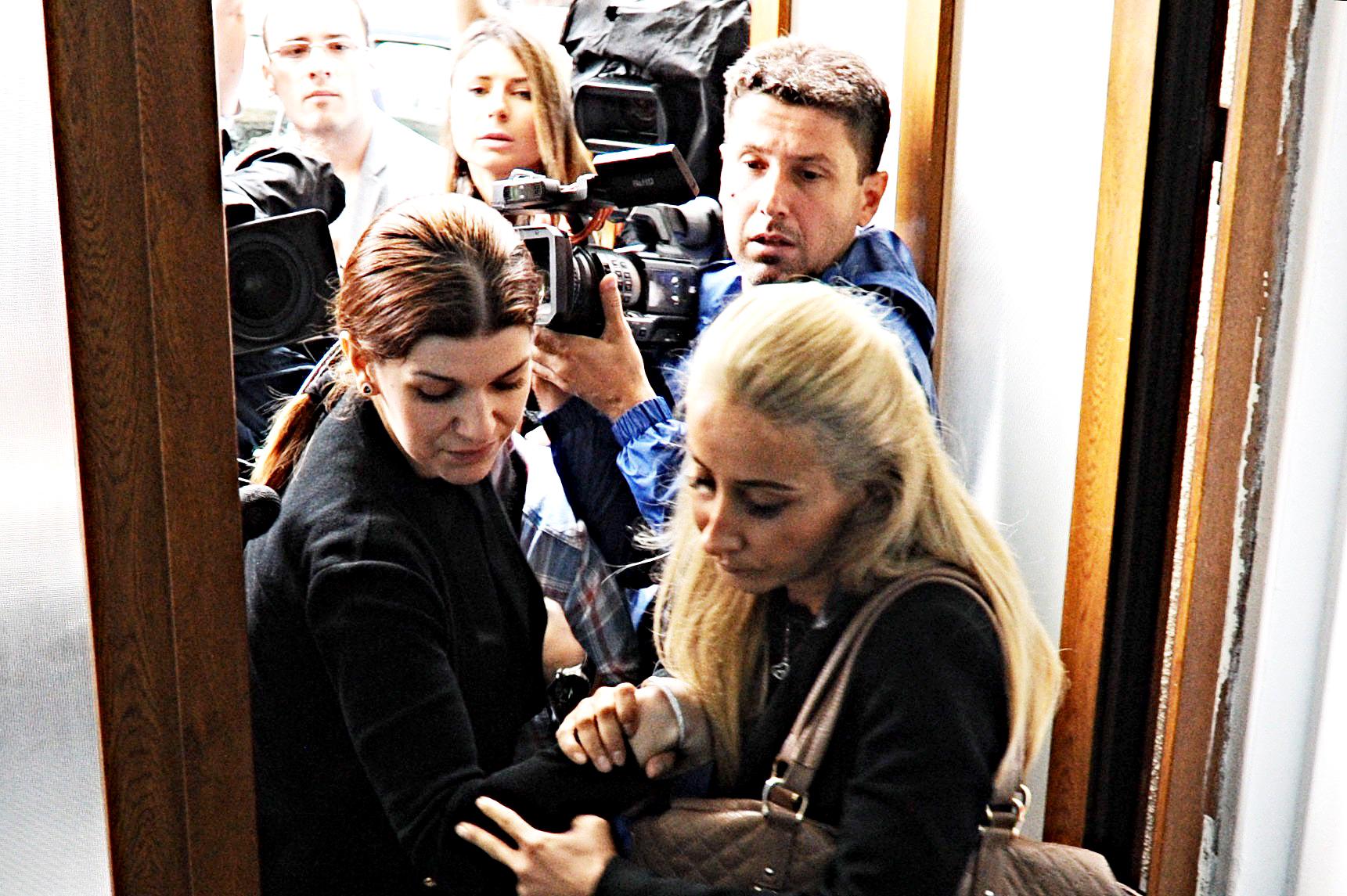 Nou dosar penal in cazul Hexi Pharma. Iubita lui Dan Condrea, Iuliana Ochinciuc, a fost pusa sub urmarire penala