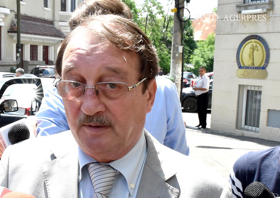 Judecatorii au admis solicitarea de eliberare conditionata a lui Mircea Basescu. Decizia a fost insa atacata de procurori