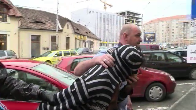 Cei 2 suspecti in cazul profesoarei din Brasov ucise pe Transfagarasan au fost arestati. Procurorii au refacut filmul crimei