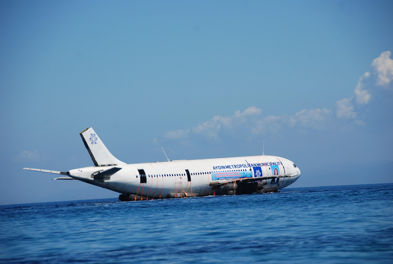 Un Airbus A300 a fost scufundat in Turcia, la Kusadasi. Ce spera autoritatile sa obtina astfel