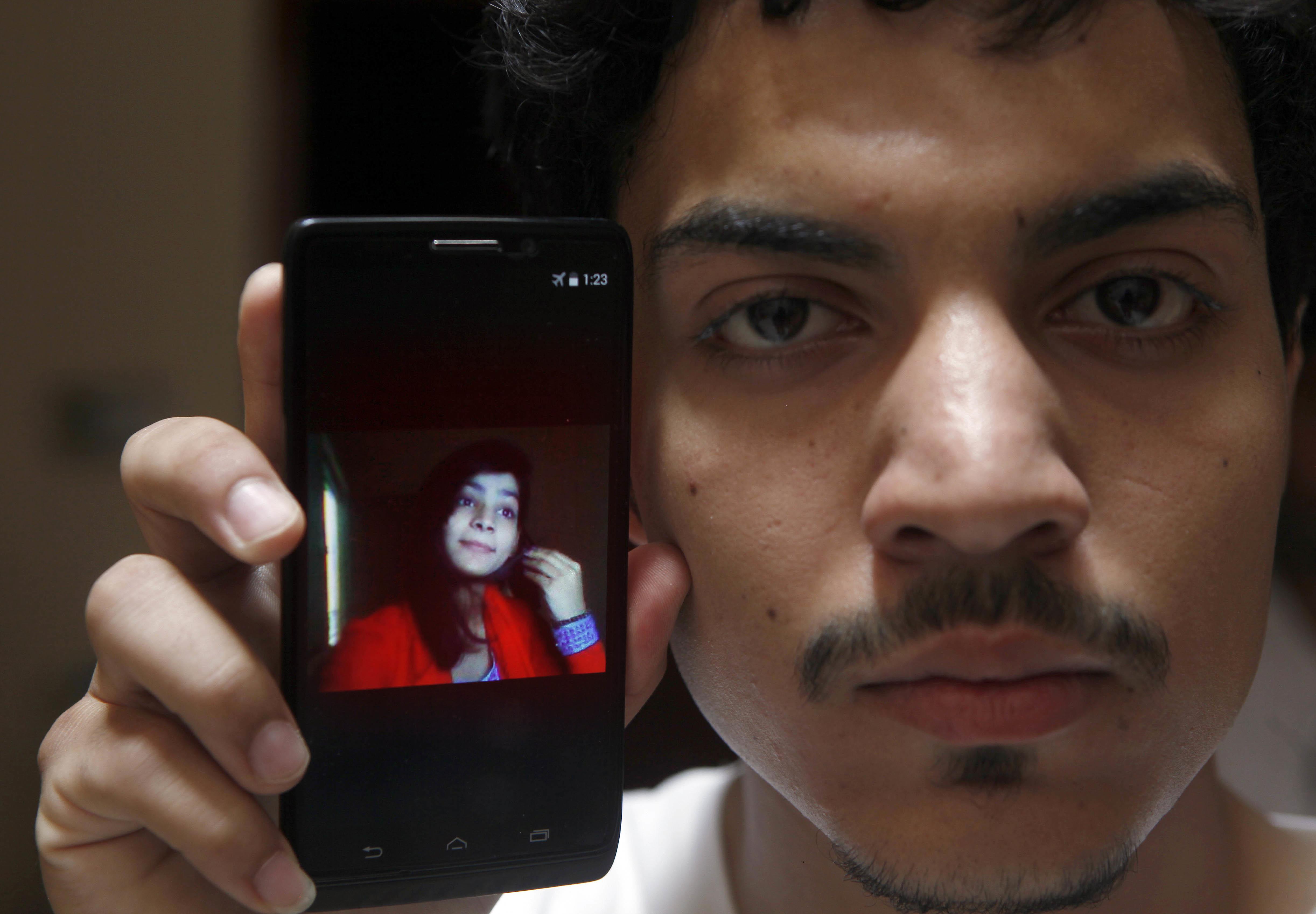 Pakistaneza care si-a ars de vie fiica a primit pedeapsa cu moartea. Femeia a recunoscut